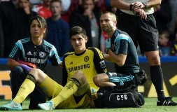 Courtois gets treatment against Arsenal