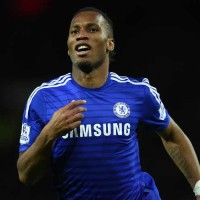 Drogba celebrates against Manchester United