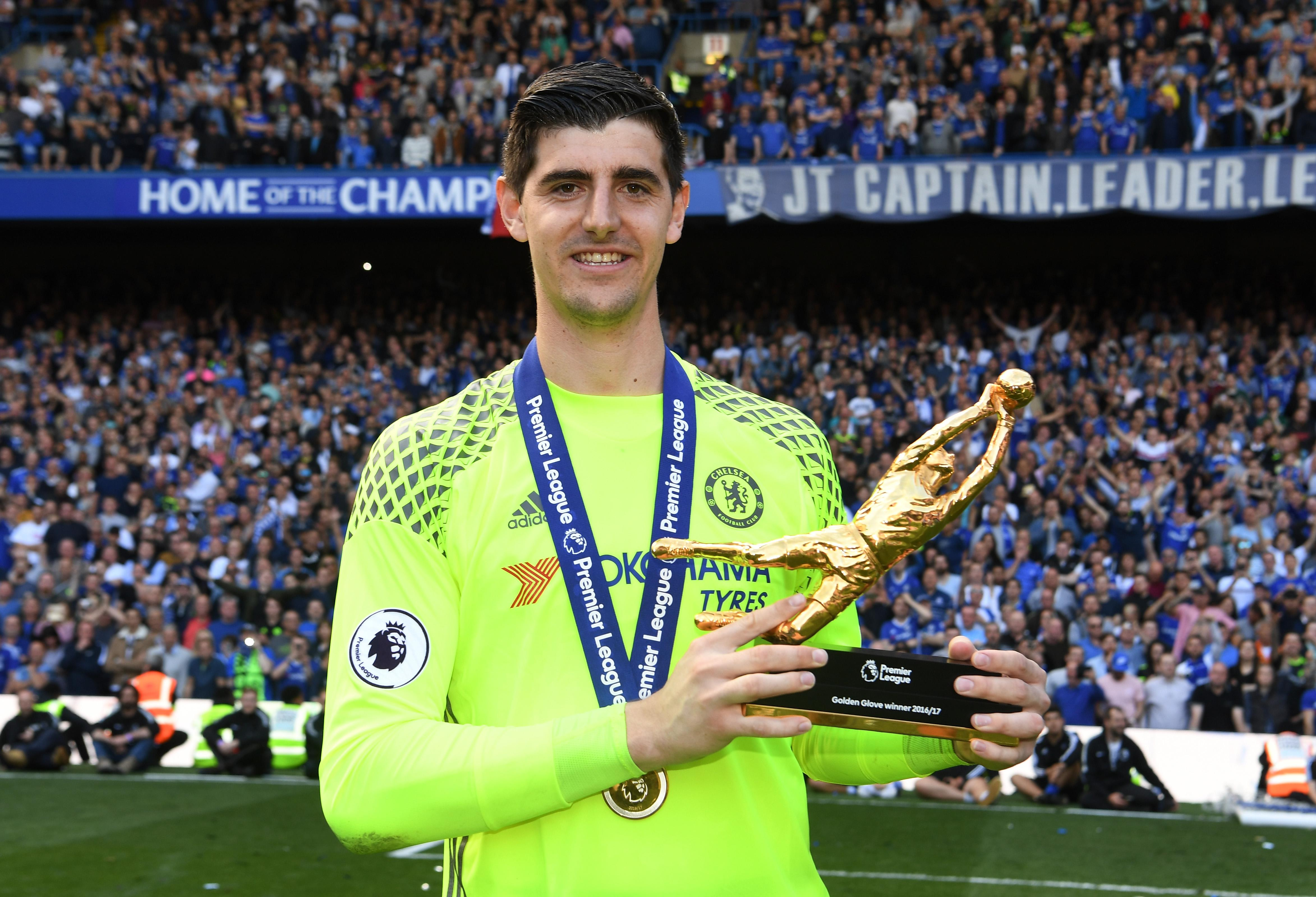 Rejecting New Contract, Chelsea Goalkeeper Wants to Join Madrid?