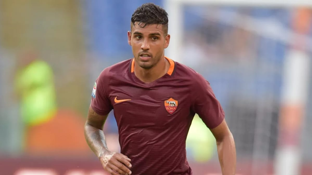 Conte defends Chelsea amid surprise Carroll & Crouch links