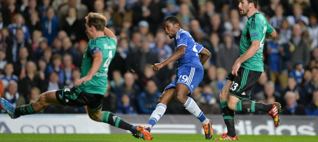 Eto'o in action against Schalke